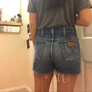 Vintage Wrangler high-wasted shorts